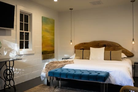 Starry's Studio- chic suite in the heart of FBG - Fredericksburg - Pis