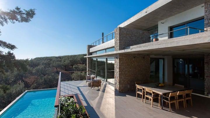 Luxury beachfront Villa Starlett