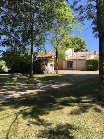 A small country house in Charente maritime - Saint-Thomas-de-Conac - Hus
