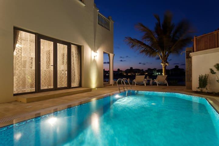 Stunning Sea View Villa – Palm Jumeirah