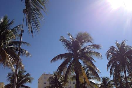 Beach, Ocean Drive, Restaurants. - Miami Beach - Apartment
