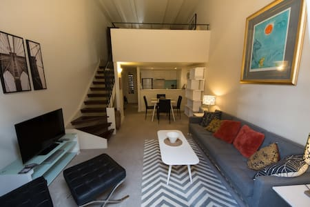 Cosy studio in central Parnell, with carpark! - Apartment