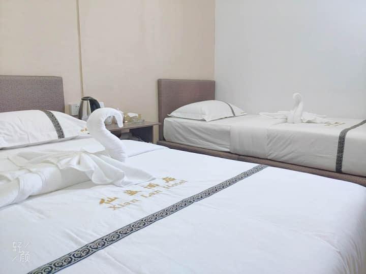 仙蓝酒店xianlan标准双人房 独立浴室 包早餐 中国人房东 位于仙本那镇上 可安排接机 一日游