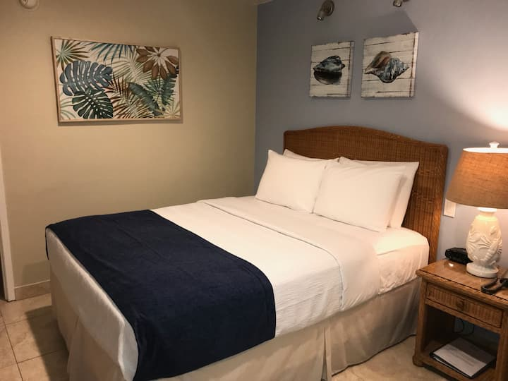 Small Hotel Room in Casitas Coral Ridge