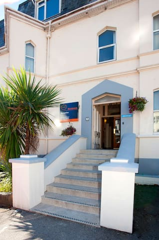 A clean place to stay in sunny Bournemouth