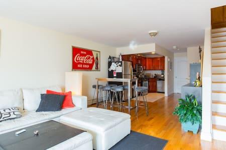 Bedroom in a beautiful duplex home. - Brooklyn