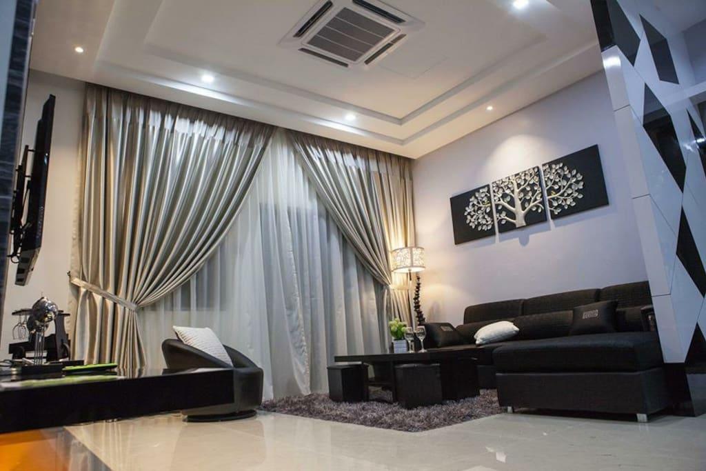 典雅的室內設計,優質的建材,配上精心挑選家具,創造出了舒適和多樣的室內風情