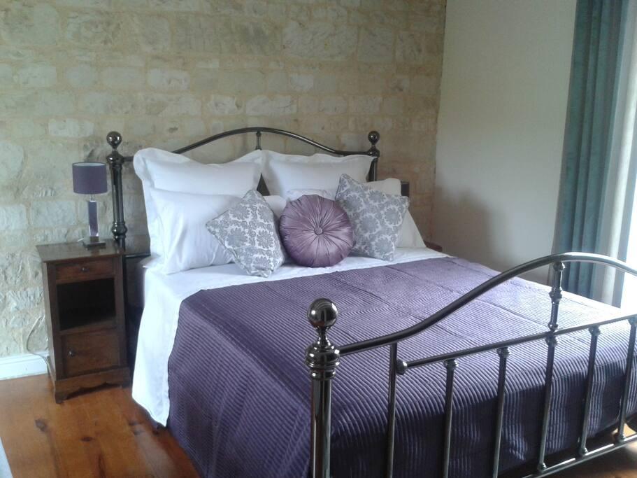 Crisp Egyptian cotton bedding