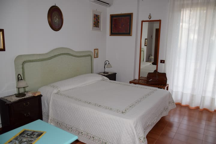 Lemon House b&b Junior Room Sorrento