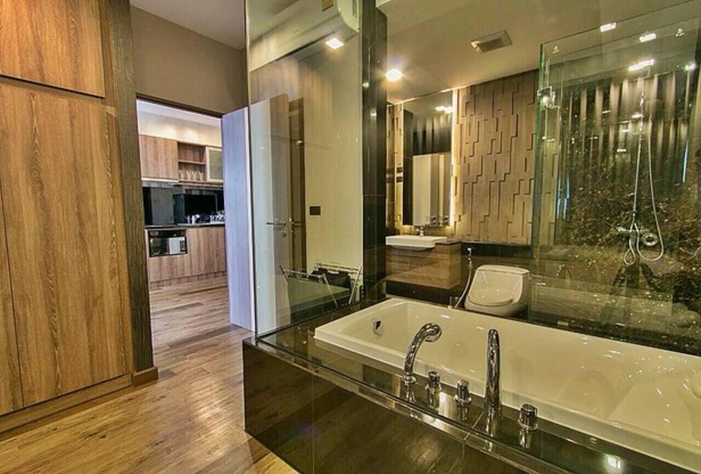 Innovative concept of bedroom cum bathroom