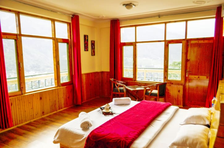A cozy place with great valley view - Manali - Chalet