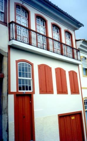 Ouro Preto Suítes - Aluguel em Excelente Local