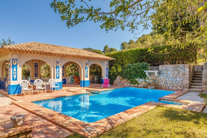 Air-Conditioned Villa with Gorgeous Pool Area, Multiple Terraces, Tropical Garden & Wi-Fi