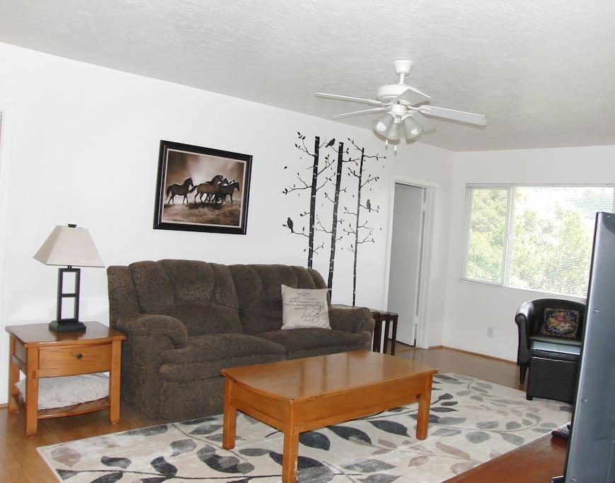 Bright cozy living room.