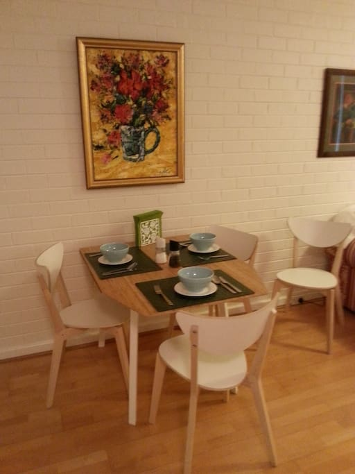 Dinning setting for 4 people