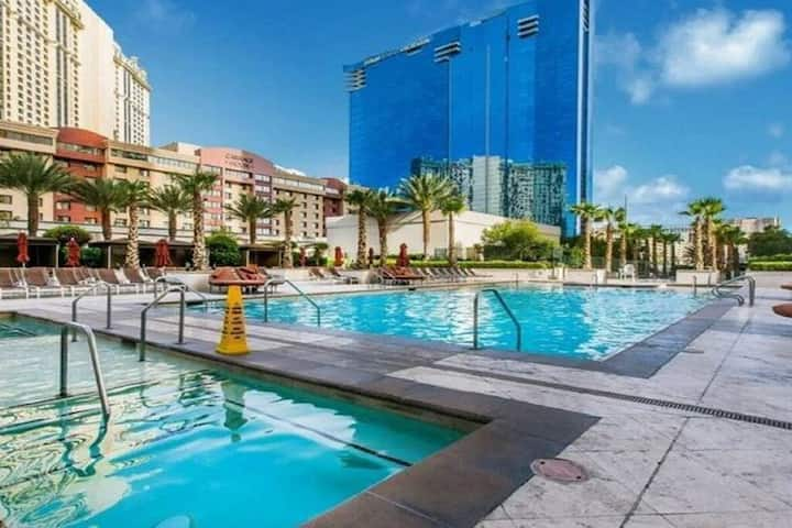 Amazing Strip View - 1BR - Corner Unit - at The Signature MGM 2801