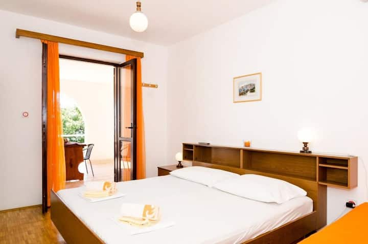 Villa Barbara-Studio w/ Sea View for Three Adults
