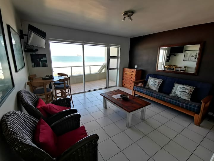 One bedroom standard apartment with sea view in Bloubergstrand