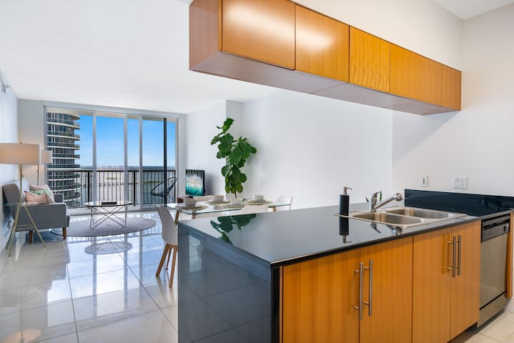 ★★HIGHLY DISCOUNTED★★ LUXURY ONE BEDROOM PENTHOUSE