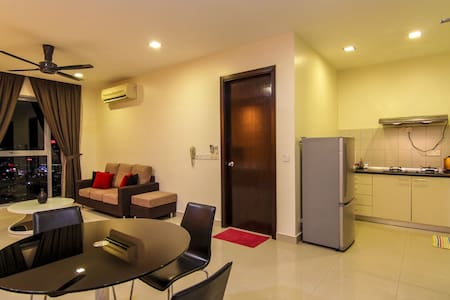 Comfortable and Fully Furnished PJ8 Apartment - Petaling Jaya - Byt