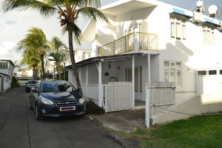 Duplex House, Residence Les Flamants, Pereybere