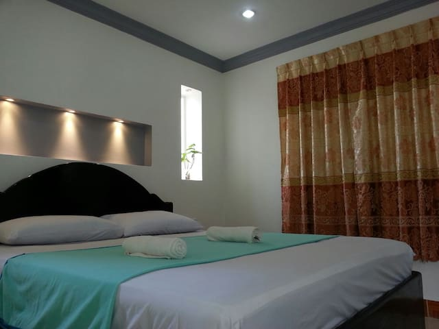 Standard Double Room with A/C - Krong Siem Reap - Haus