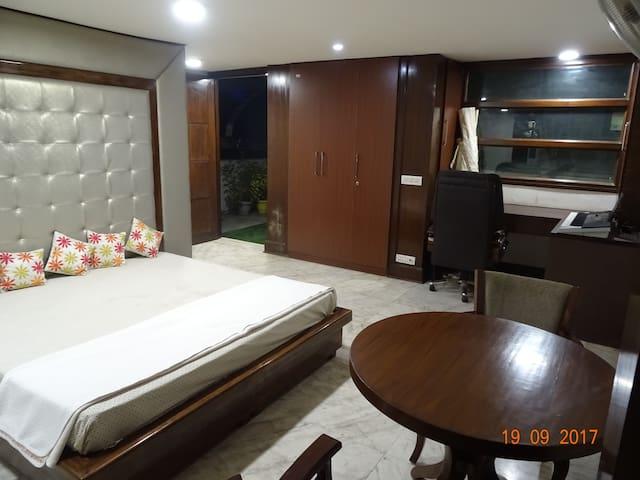 Private room in Preet Vihar