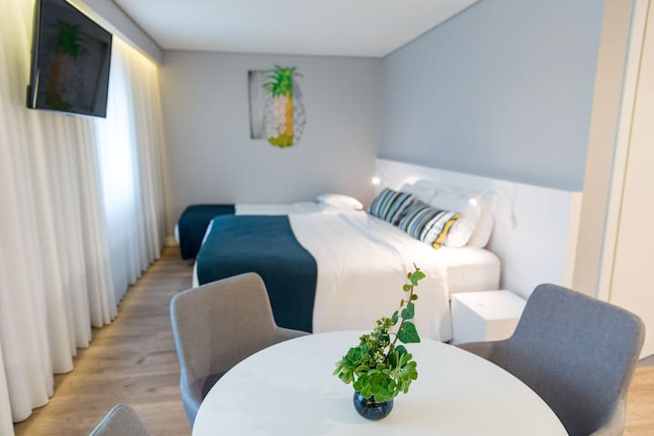 Ilha Hostel & Suites| Double/Twin kitchenette