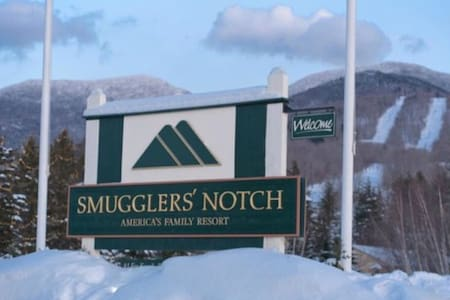 2 Bedroom Deluxe Unit in Smugglers Notch Resort!