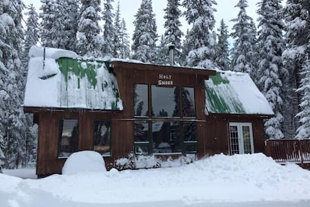 Holy Smoke : Ski-in Ski-out cabin @ Apex Mt - Hedley