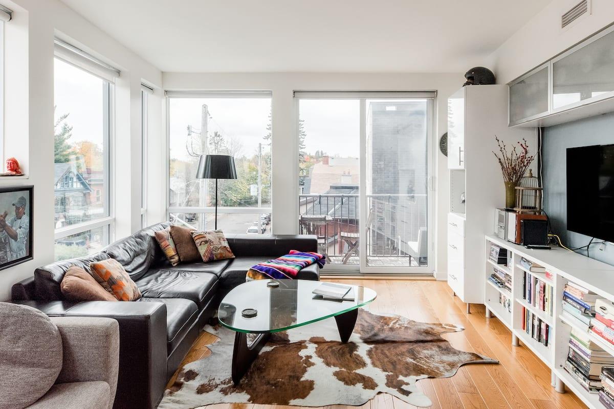 Explore Lansdowne Park from a Trendy Apartment