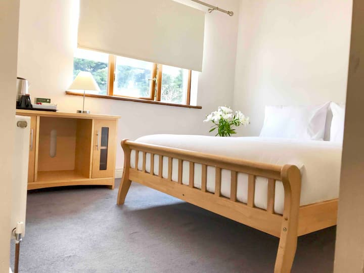 DOUBLE ROOM 20mins from CITY CENTER
