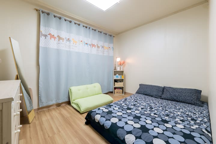 Affordable Cozy bedroom in Seoul (mokdong station) - 江西区 - 別荘