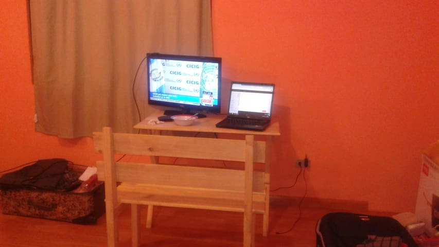 Nice Room in a gated comunity with 2 Car garage - Guatemala - Huis