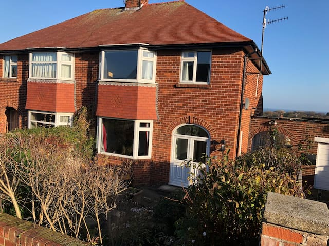 3 bed family house with partial sea views