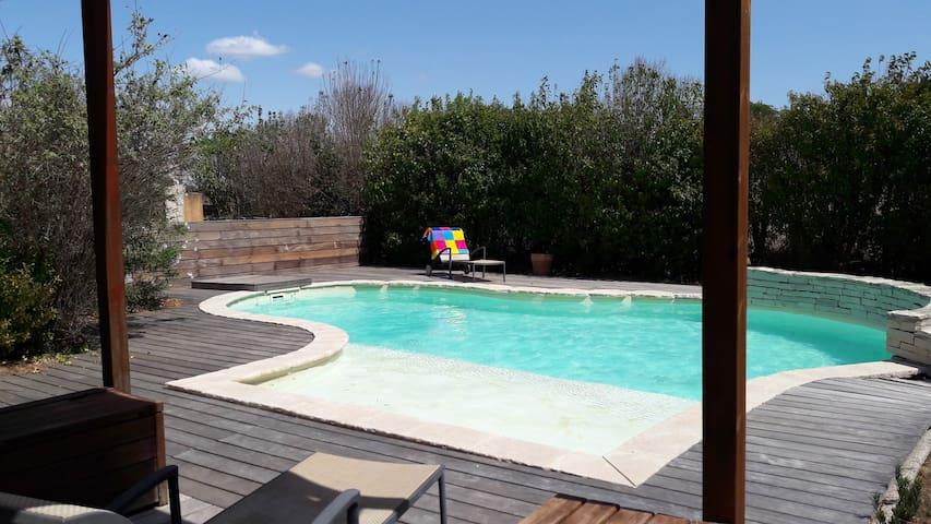 Villa Néoprovençale proche Côte Bleue avec piscine