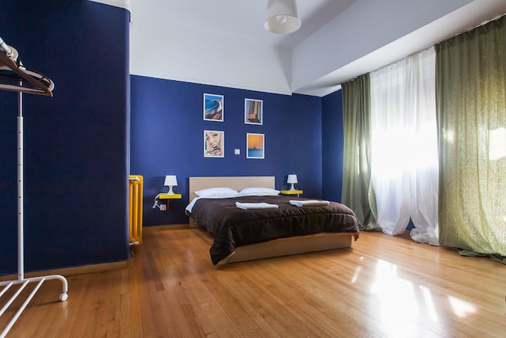 Spacious Room in Athens Central Penthouse - Athina - Apartemen