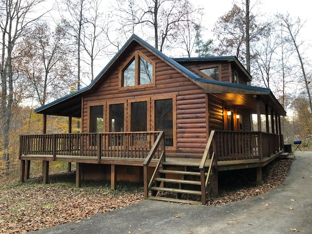 Wildcat Cabin, RRG, Hot tub, No cleaning/pet fees!