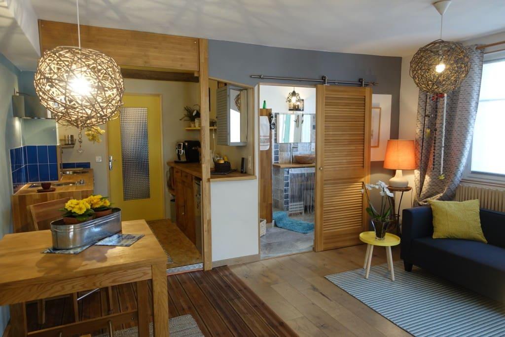 ocres et soleil au pied du mont ventoux appartements louer mormoiron provence alpes. Black Bedroom Furniture Sets. Home Design Ideas