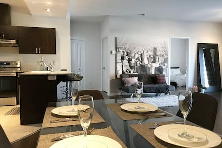 2BR CONDO 10-15MIN TO DOWNTOWN OTTAWA