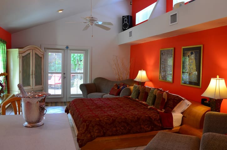 Master Suite along the beaches... - Key West - Casa