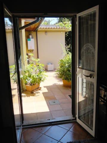 PIGNETO COZY CORNER detached house - Roma - Casa