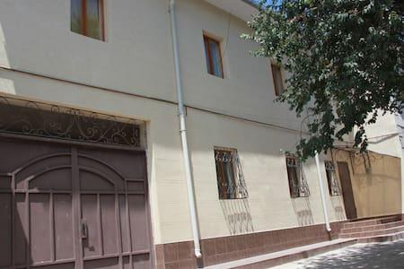 Oazis Grant Guest House - Tashkent - Гестхаус