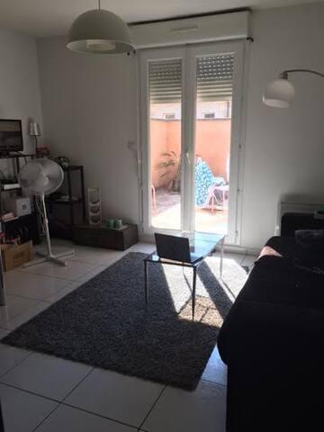 Appartement avec cour vignoble du Médoc