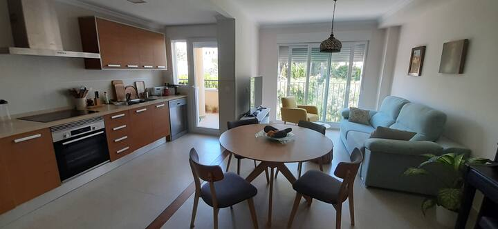Central   2 bedrooms apartment with Montgo View