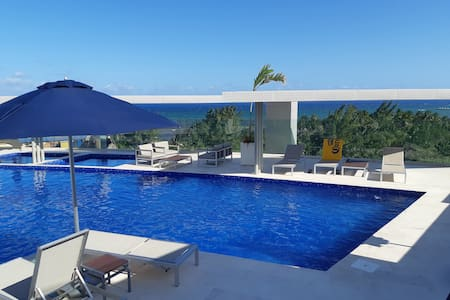 Condo Oceanview Pool Jacuzzi 1mn to 5th Av & Beach