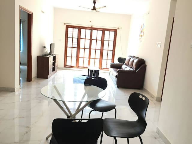 Complete 2bhk near ITIL Whitefield - Bengaluru - Apartament