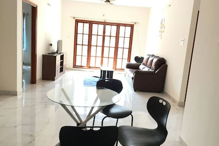 Complete 2bhk near ITIL Whitefield - บังกาลอร์ - อพาร์ทเมนท์