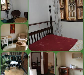 Guest wing in villa separate entrance central area - Kampala
