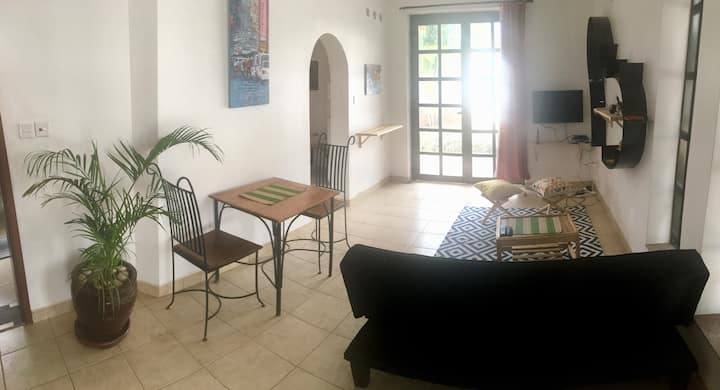 Beautiful 2-bedroom apartment Bunga Kawuku-#1